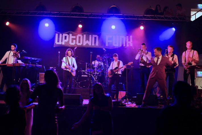 Uptown Funk - Party Band